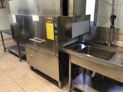 Hévíz Hotel Carbona szalagos mosogatógép 2019